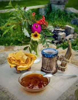 Настоящий Алтайский таёжный мёд - 6OWGjrYVRYs.jpg