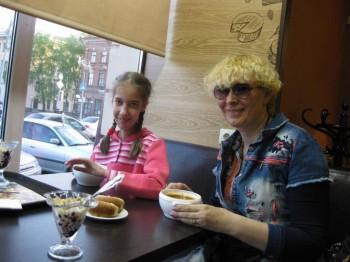 Солнечного настроения тем, кто ищет своих детей  - кафе.jpg